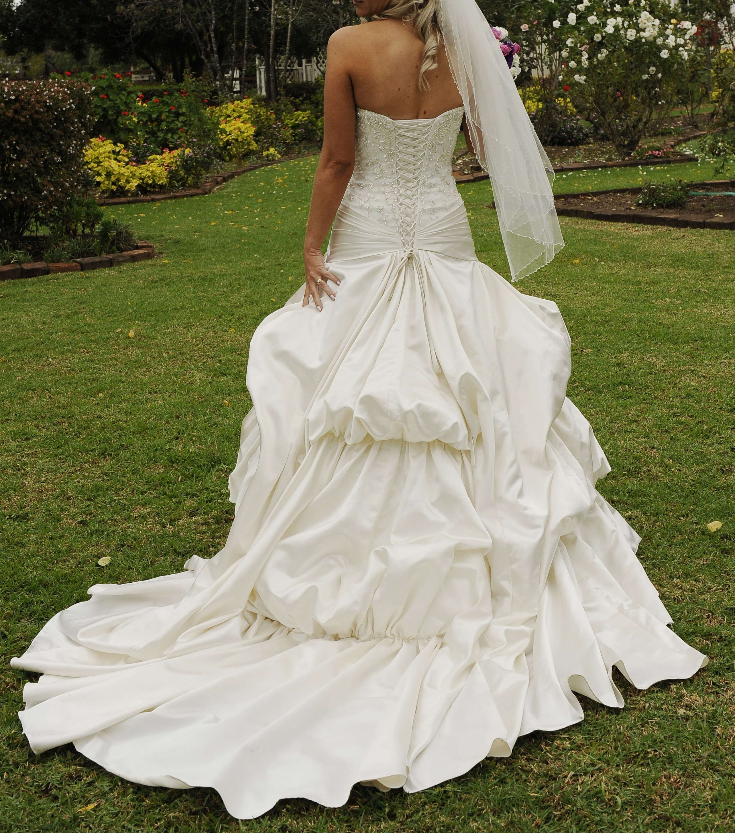 Stunning Briony Leigh Wedding Gown - Second Hand Wedding Dresses ...